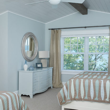2 bed bedroom inside a beautiful lake front house