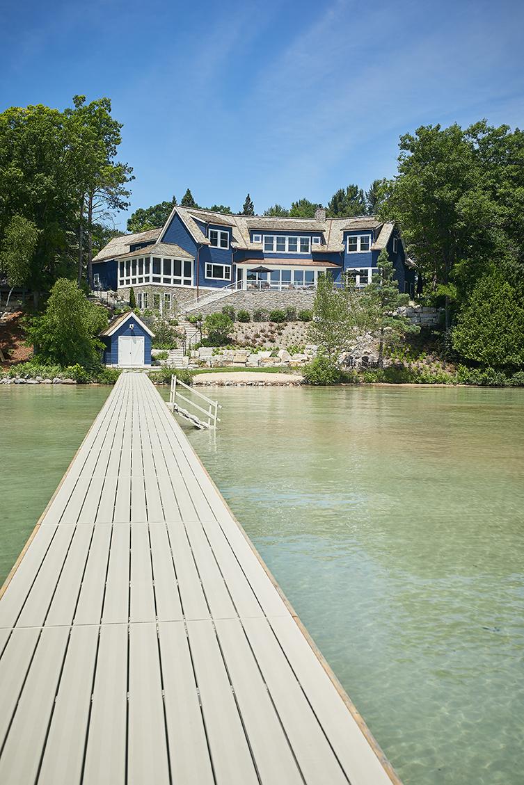 beautiful modern mansion with lake